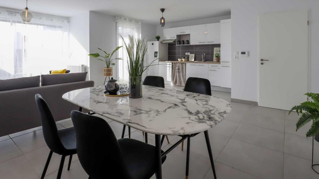 GreenCity immobilier - Blagnac-Beauzelle - 31700 - LB47 - villa T5 - séjour - cuisine