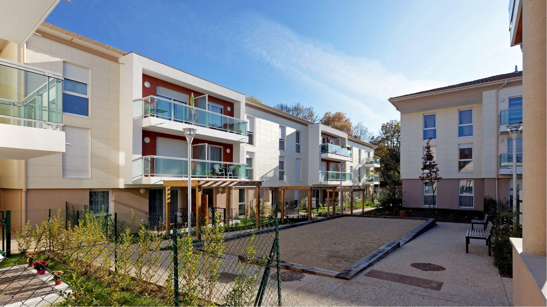 Greencity Immobilier - Résidence Les Patios d'Or de Montlignon - 95680 Montlignon - Résidence séniors